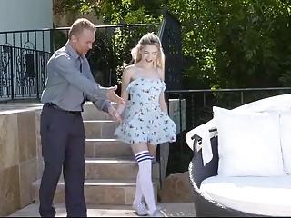 Hijastra pierde la virginidad con su padrastro